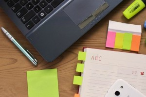 desk-notebook-notes